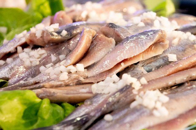 el pescado, una de las grandes fuente de omega 3 que pueden reducir el dolor de cabeza