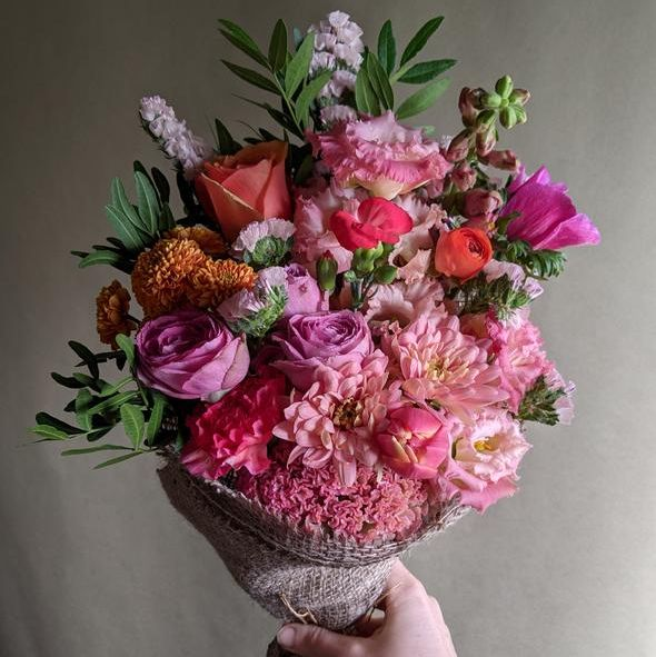 petalon hand tied flowers make the best nexy day deliver flowers