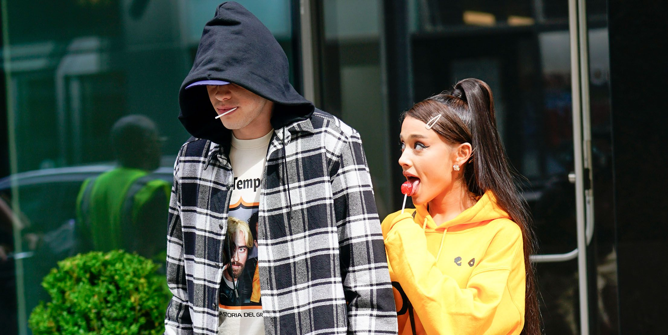 """UM, Pete Davidson Just Savagely Put the Word """"Cursed"""" Over an Ariana Grande Tattoo"""