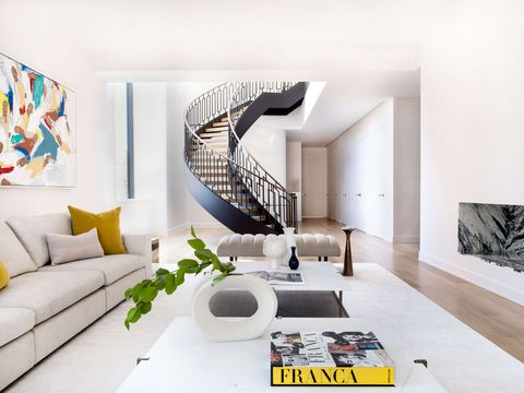 Living room, Interior design, Room, Property, Furniture, House, Building, Architecture, Wall, Home,