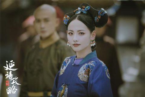 Hair, Hairstyle, Shimada, Kimono, Tradition, Headpiece, Sakko, Peking opera, Smile, Costume,