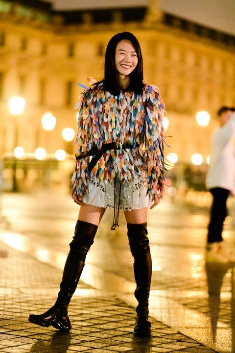 Fashion model, Clothing, Street fashion, Fashion, Footwear, Yellow, Boot, Beauty, Knee, Knee-high boot,
