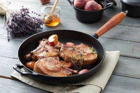 """1肉や魚をおいしく焼きたい人の一生ものは断然""""鋳鉄"""""""
