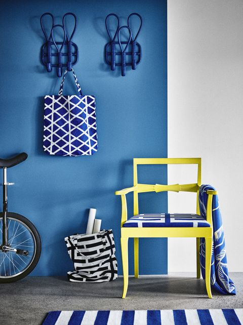 Blue, Cobalt blue, Furniture, Wall, Yellow, Room, Majorelle blue, Electric blue, Blue and white porcelain, Table,