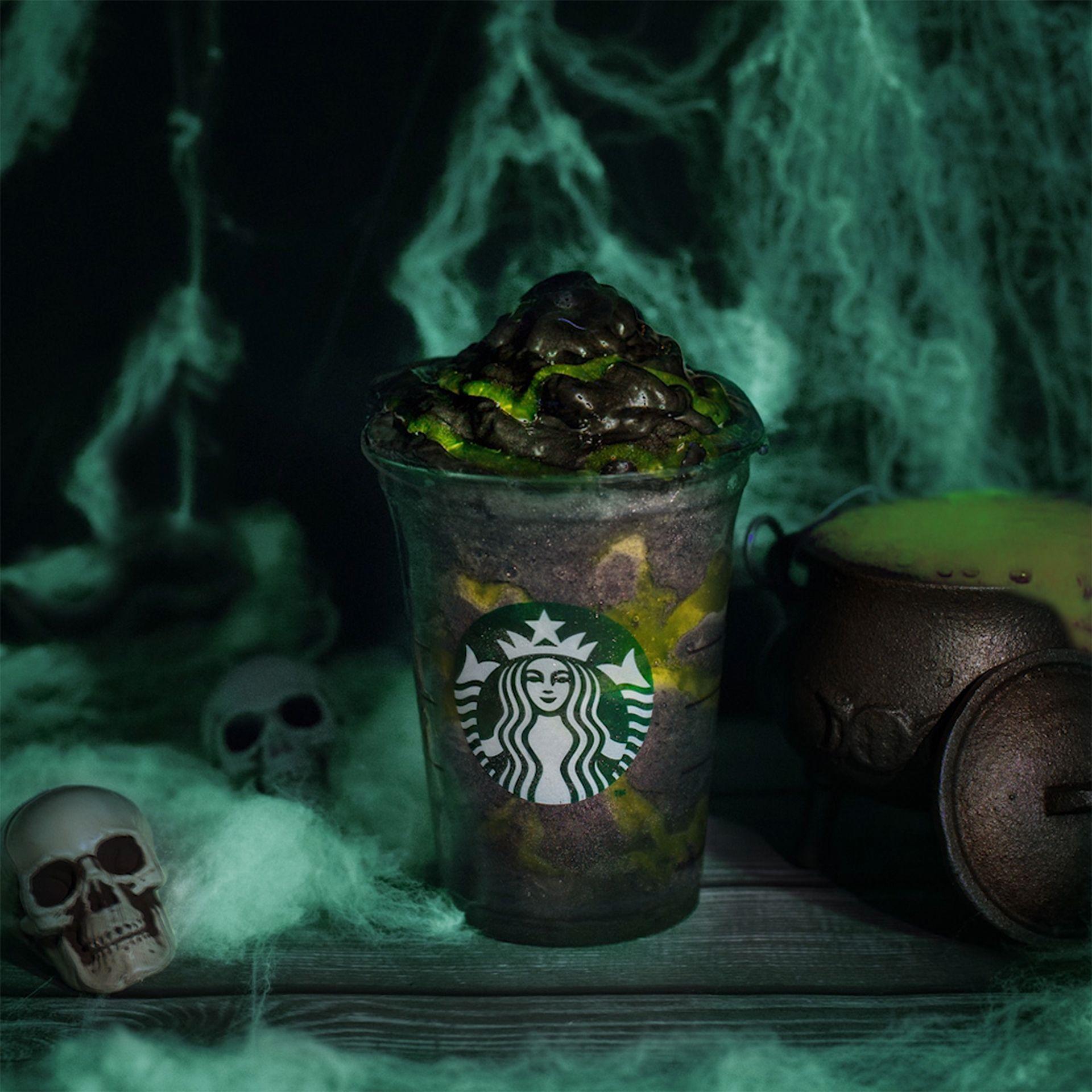 Starbucks lanza el Phantom Frappuccino, el más terrorífico y explosivo para que te bebas Halloween