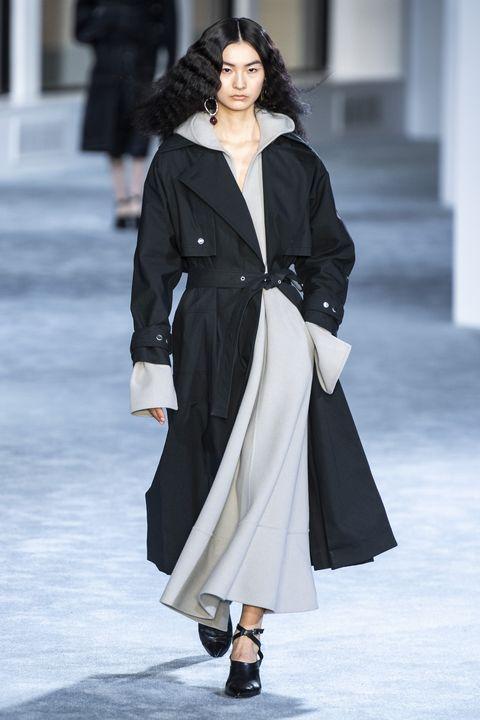 Fashion, Fashion model, Runway, Clothing, Fashion show, Coat, Outerwear, Overcoat, Haute couture, Street fashion,