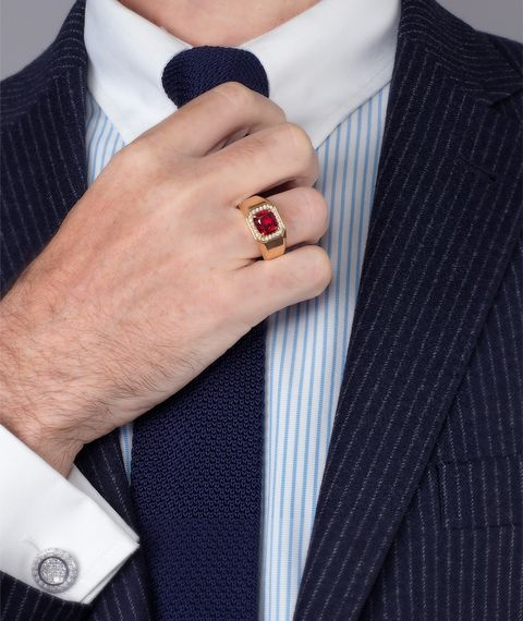 gent's ring with burmese spinel and diamonds