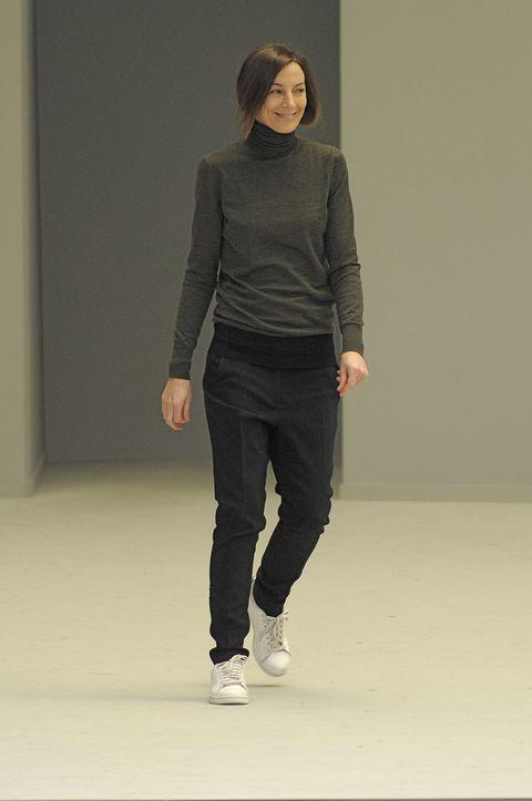 2011年秋冬、セリーヌのショーのラストに登場したフィービー・ファイロ。Celine - Runway RTW - Autumn Winter 2011 - Paris Fashion Week