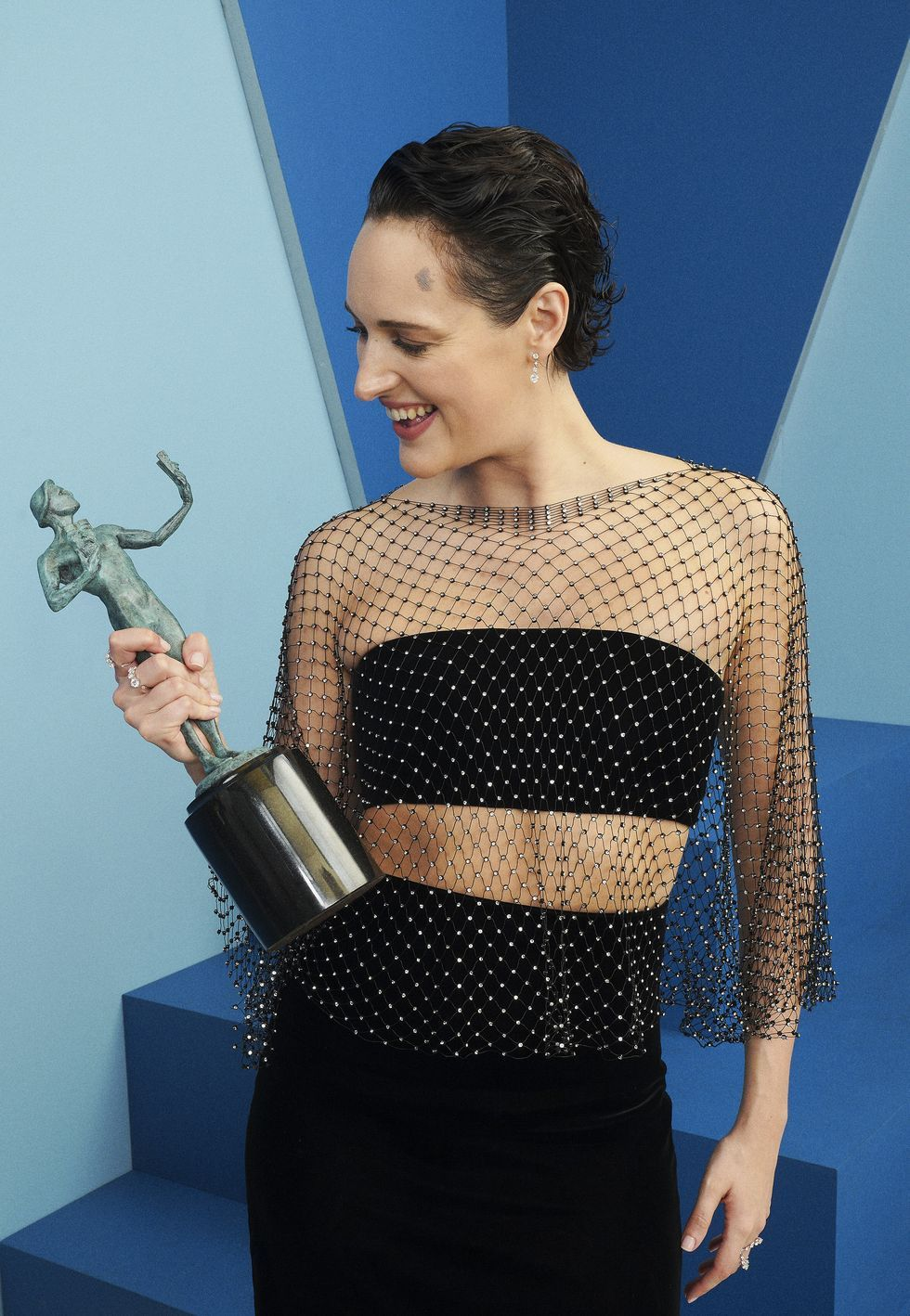Phoebe Waller-Bridge Says That Her 'Six-Pack Was Drawn On' for the SAG Awards