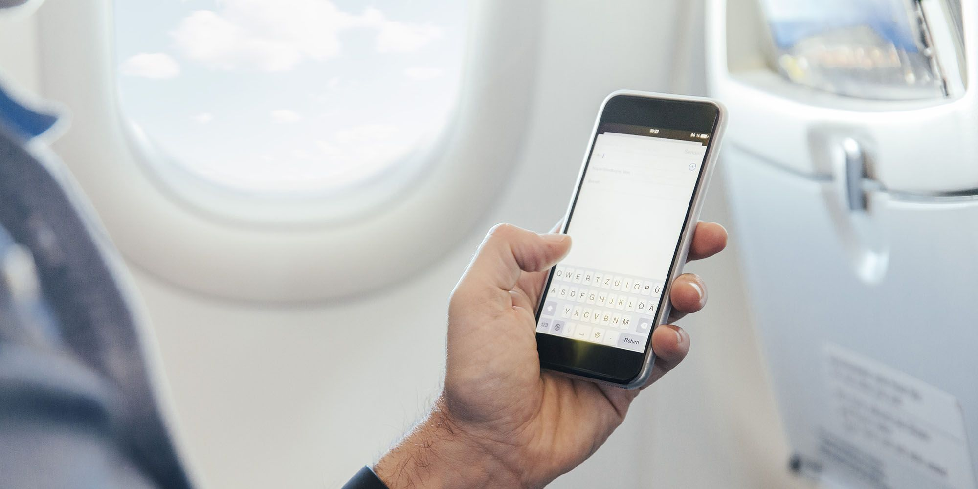 This is what really happens if you leave your phone on during a flight