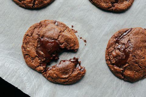 Choco love! La ricetta super dei biscotti al cioccolato fondente da provare questa settimana è qui