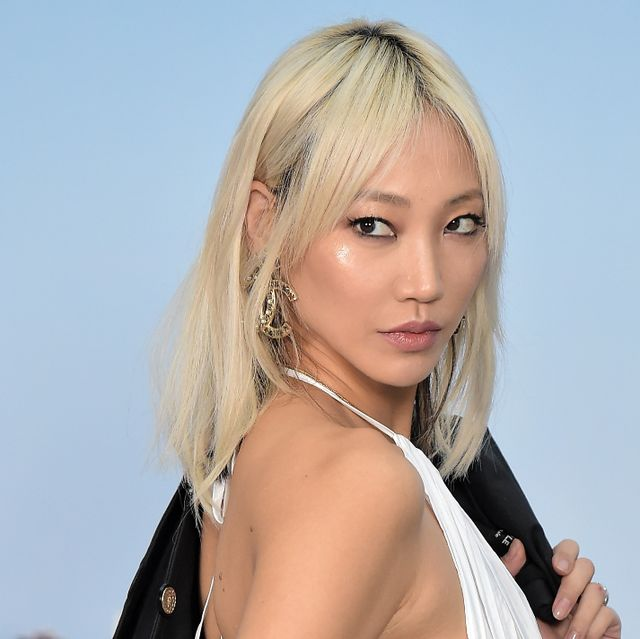 Hair, Face, Blond, Hairstyle, Lip, Eyebrow, Beauty, Pink, Hair coloring, Bangs,