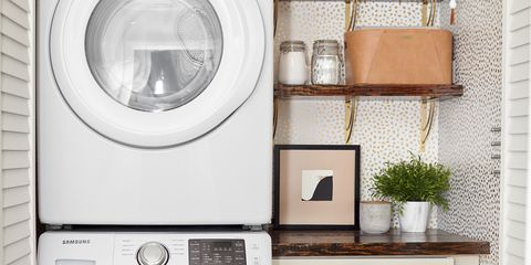 Major appliance, Washing machine, Home appliance, Clothes dryer, Laundry room, Room, Laundry, Furniture, Shelf, Small appliance,
