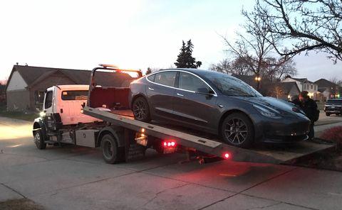 2019 Tesla Model 3 on tow truck