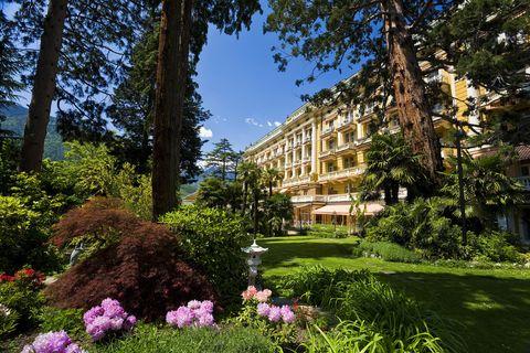 Property, Garden, Vegetation, Tree, Natural landscape, Building, Estate, Spring, House, Real estate,