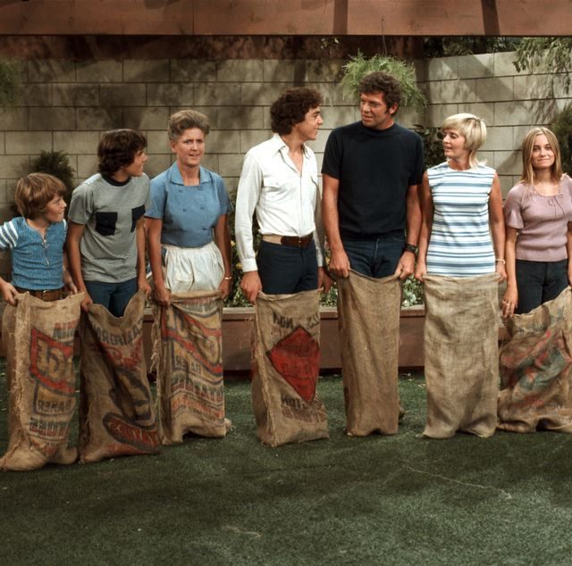 the brady bunch then and now