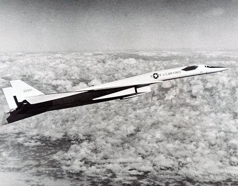 a north american xb 70 valkyrie in flight