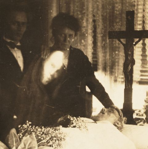 spirit photography   family funeral