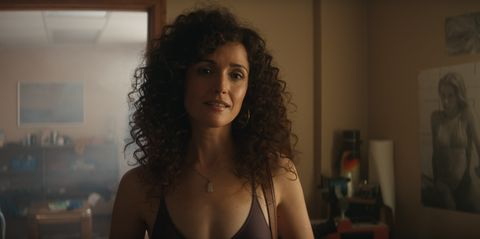 """rose bryne in """"physical,"""" a new dramedy from creator annie weisman, premiering summer 2021 on apple tv"""