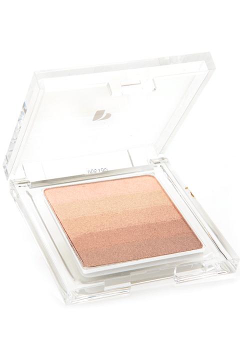 Face powder, Eye, Beauty, Eye shadow, Cosmetics, Beige, Organ, Peach, Powder, Powder,