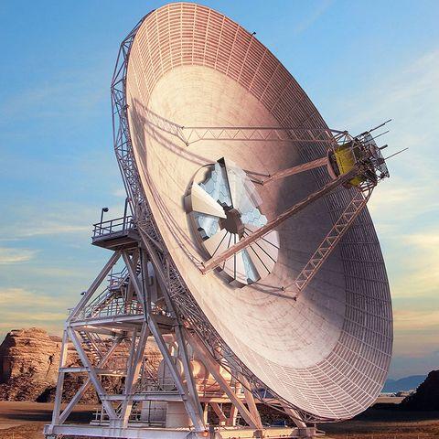 Radio telescope, Antenna, Technology, Telecommunications engineering, Vehicle, Electronic device, Electronics accessory, Watercraft, Boat,