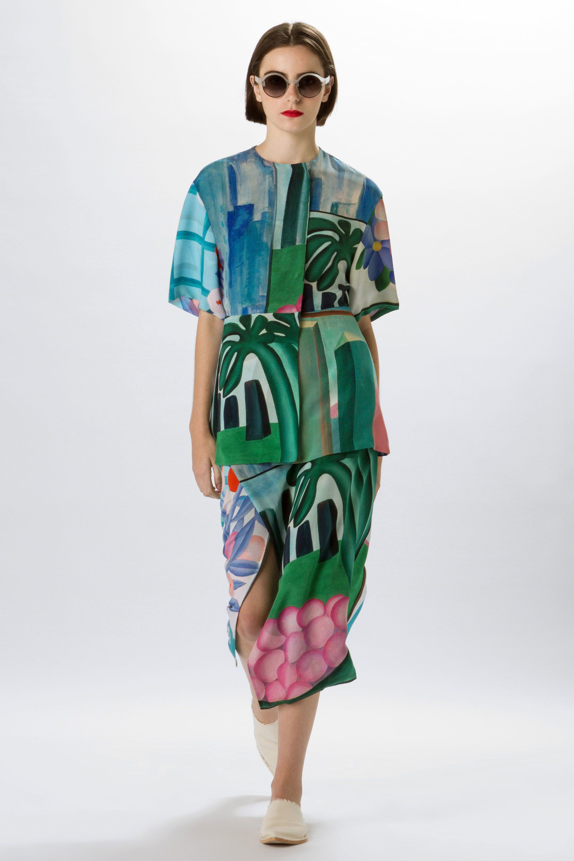 Sustainable Fashion High End Designers Using Recycled Fabrics And Ethical Manufacturing