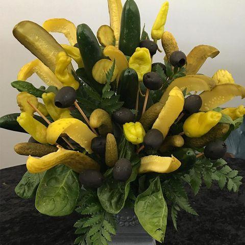 Flower, Yellow, Plant, Flowering plant, Floristry, Bouquet, Cut flowers, Fruit,