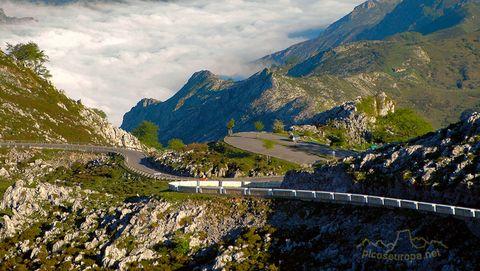 Mountainous landforms, Mountain, Highland, Natural landscape, Nature, Sky, Mountain range, Mountain pass, Wilderness, Alps,