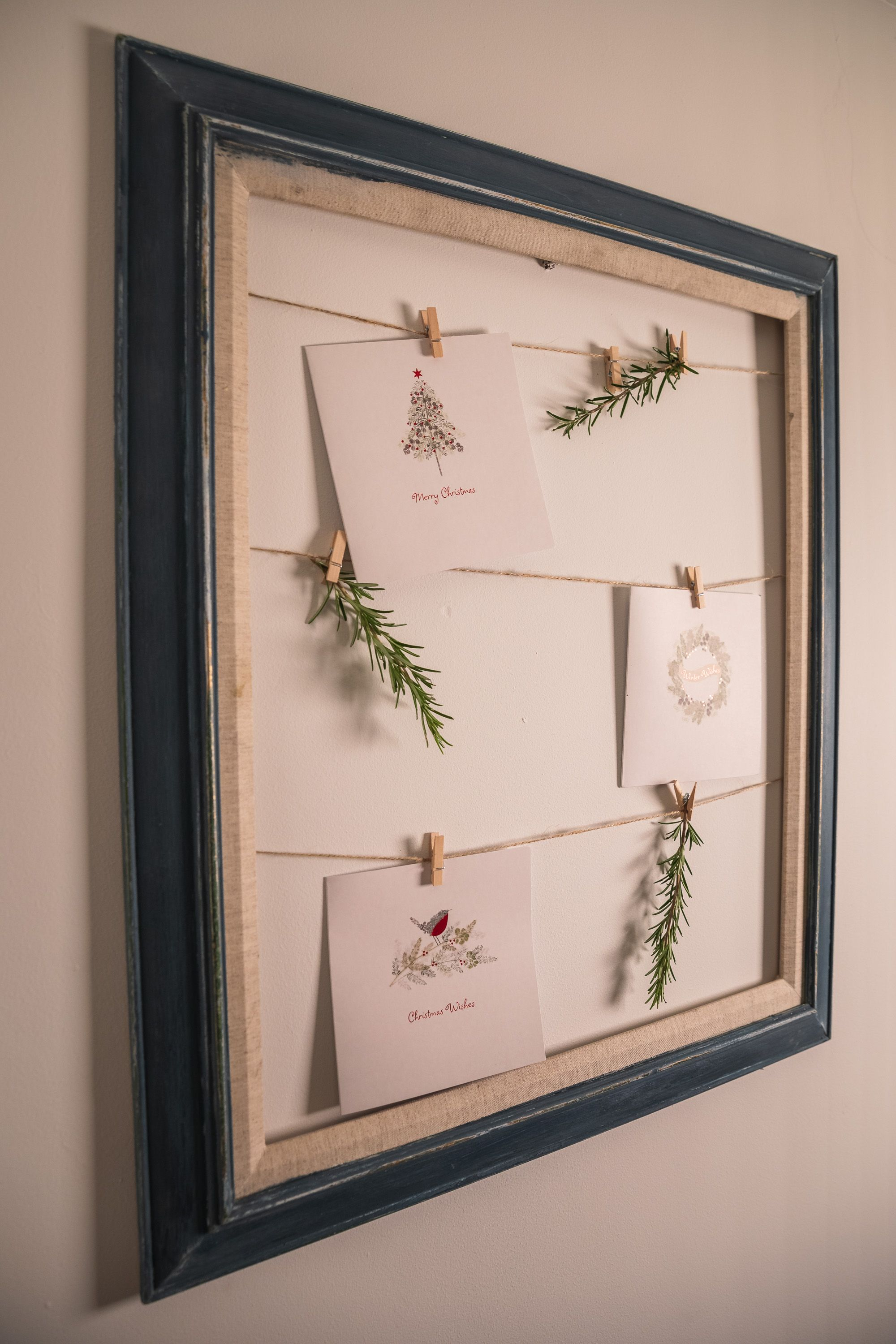 How to make a picture frame Christmas Card display