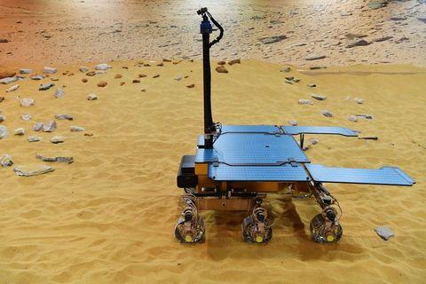 TOPSHOT-BRITAIN-SPACE-AIRBUS-MARS-ROVER