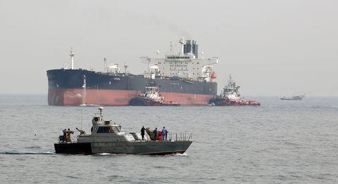 IRAN-ECONOMY-OIL-KHARK