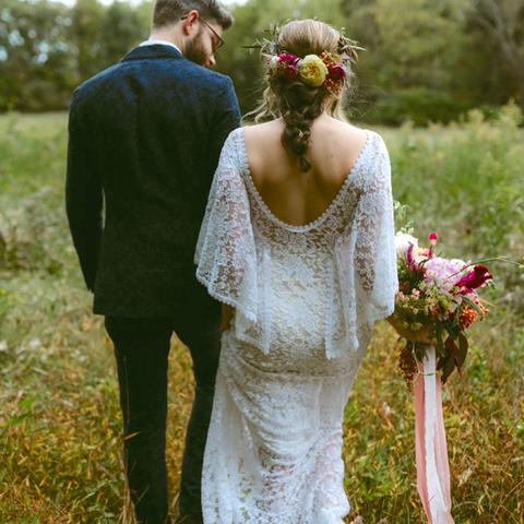 Reasons to have a teeny tiny wedding small wedding for Wedding ideas for small weddings