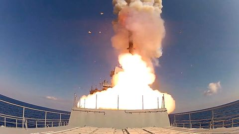 Russian Navy hits IS weapons dumps in Syria