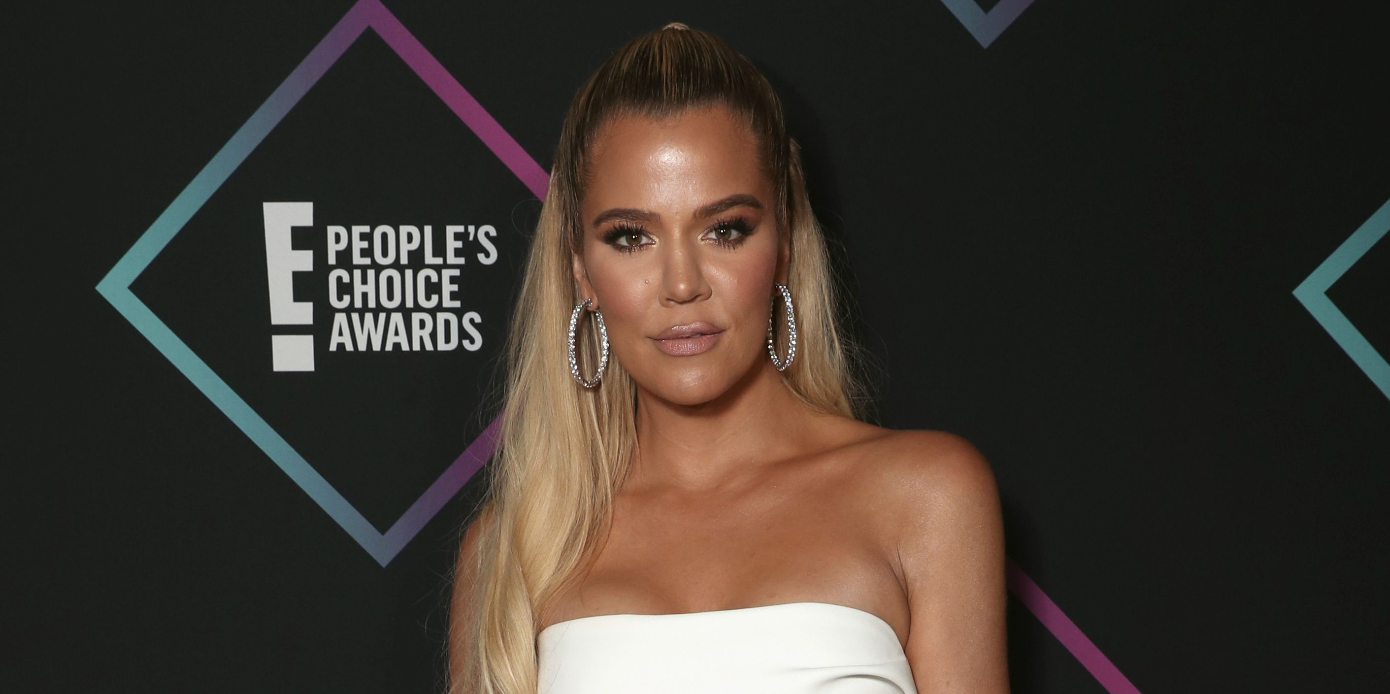 So, Khloé Kardashian Got Her Knee Sucked With a Straw During a Healing Ceremony in Bali