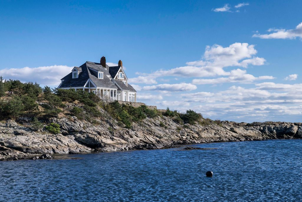 People Are Buying Vacation Houses Sight Unseen