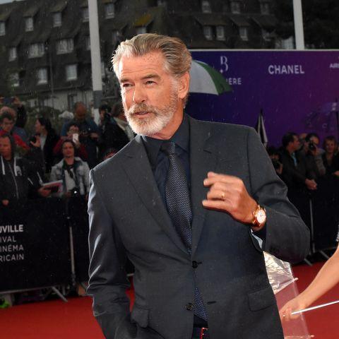 Pierce Brosnan, mujer, James Bond