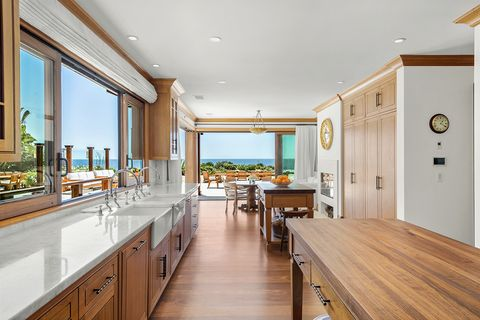 Wood, Interior design, Room, Property, Floor, Hardwood, Glass, Wood stain, Ceiling, Real estate,