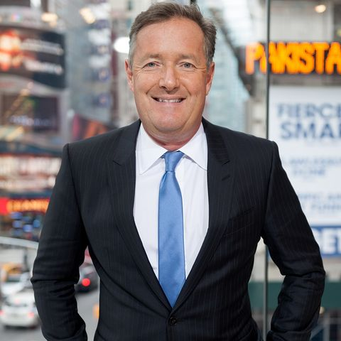 "Piers Morgan Visits ""Extra"""