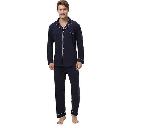 6b2466a9d8 Il regalo di Natale 2018 su cui investire adesso è un pigiama di lusso