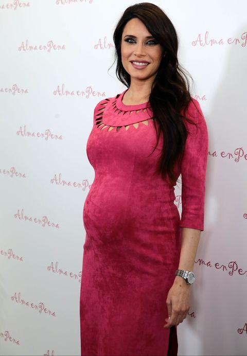 Pilar Rubio posa embarazada.