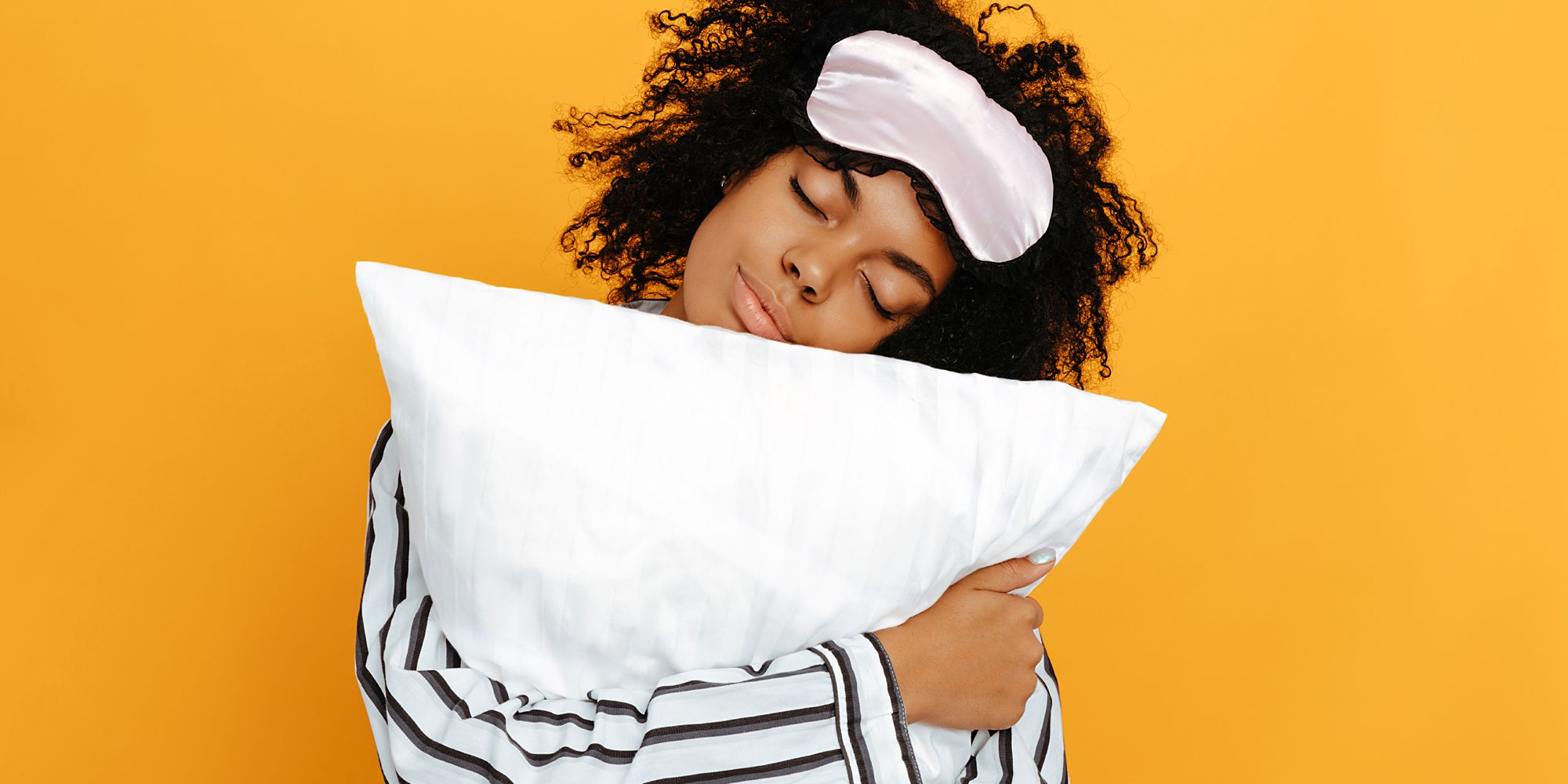 The 12 Best Silk Pillowcases That Will Legit Make Your Skin And Hair Look Better
