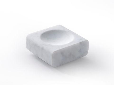 Lo svuotatasche in marmo di Salvatori