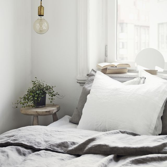 5 pillow arrangements and what they say about your personality