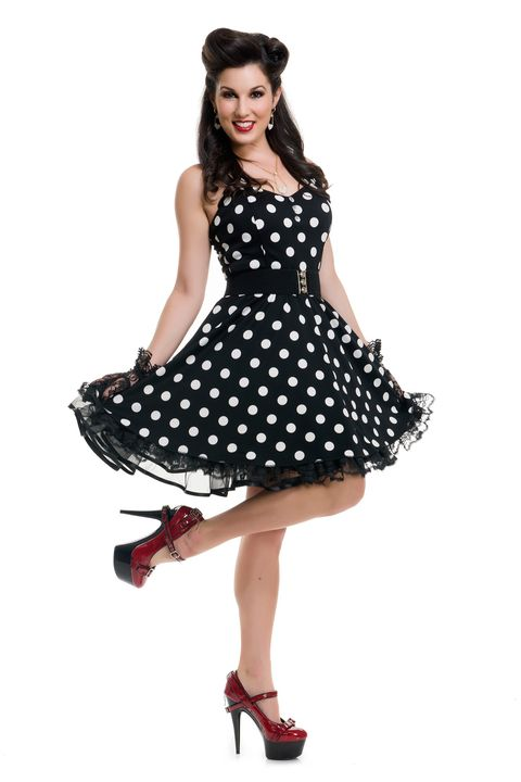 pin up girl 50s halloween costume
