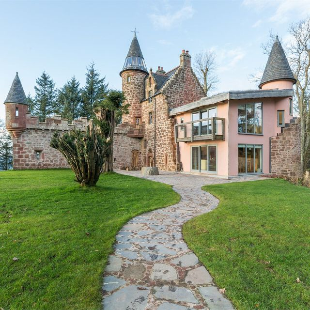 rent this pink castle in ayrshire