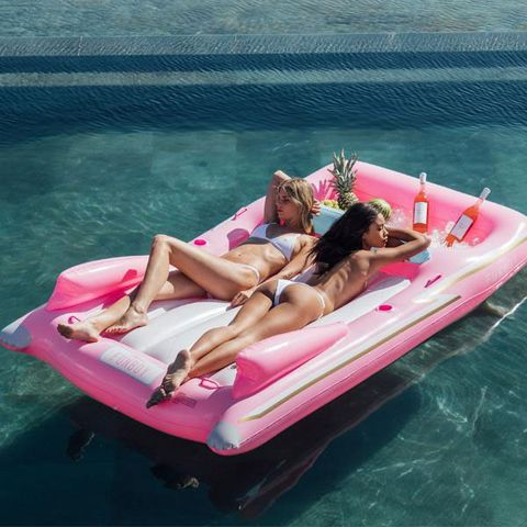 Water transportation, Leisure, Boat, Inflatable, Vehicle, Boating, Fun, Recreation, Vacation, Sun tanning,