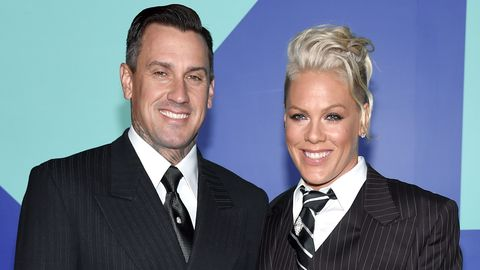 """Pink's Husband Carey Hart Under Fire for """"Putting Their Child in Danger"""" in New Instagram"""
