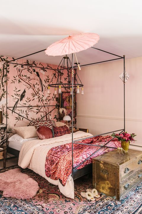 Beautiful pink room with a lot of patterns