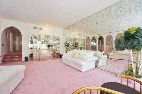 pink time capsule home staten island