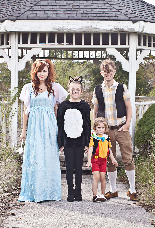 59 Family Halloween Costumes Addams Family, Flintstones